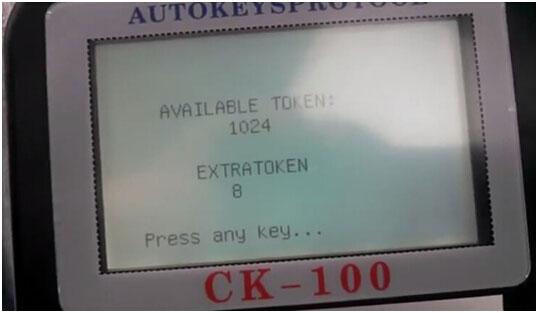 CK100 to program Chrysler 300M Smart Key 4-4