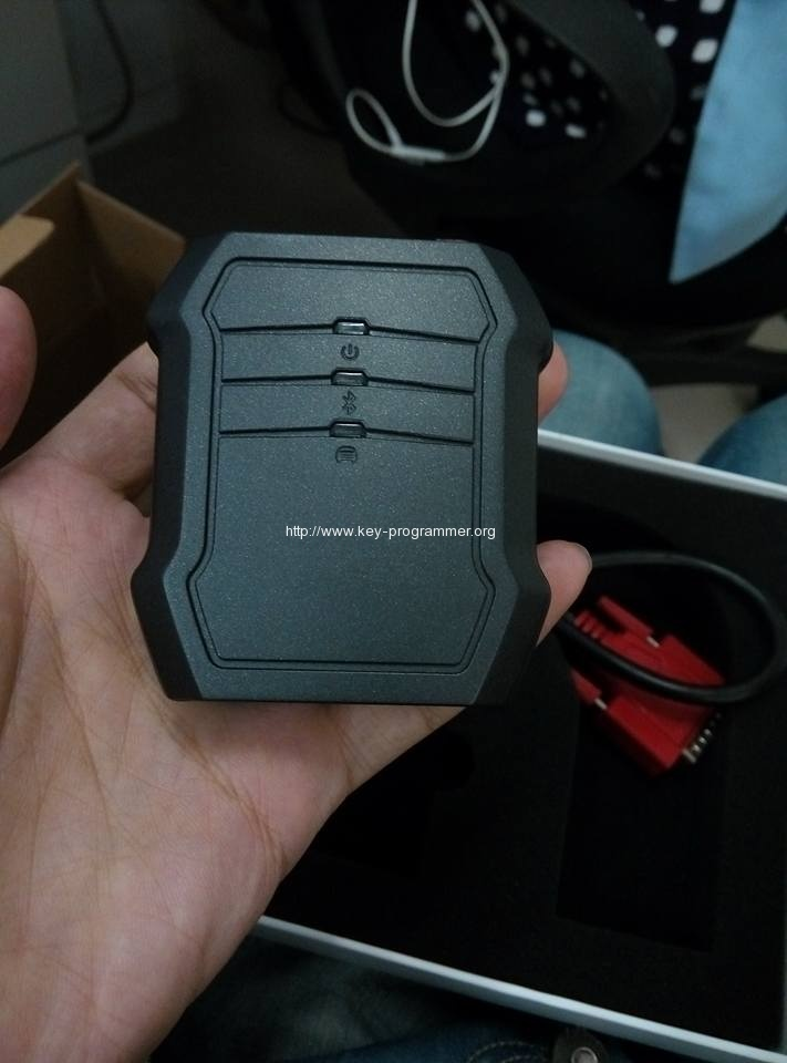 Xtool-X100C-key-programmer-2